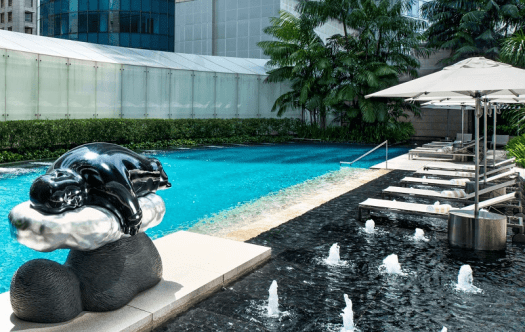 Singapore-hotel-outdoor-swimming-pool