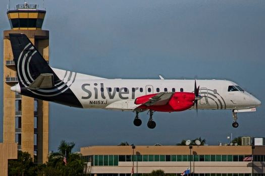 Aviation_Silver-Airways_Transformation_FlyBy_FLL_10R_Occhilalin