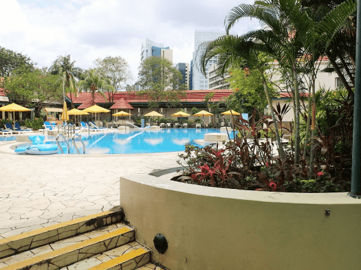 Hotel-Jen-Singapore-outdoor-swimming-pool