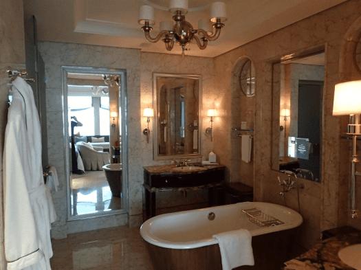 St-Regis-Singapore-hotel-room-bathroom