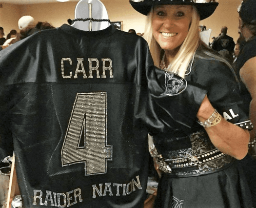 Image-of-vendor-at-Raiders-Fan-Convention