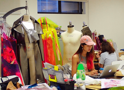 Image-of-fashion-design-student-working-at-SCAD-Hong-Kong