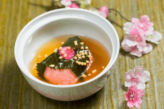 Food-sagano-New-World-Millennium-Hong-Kong-sakura-kaiseki-stewed-scallop-sakura-cake