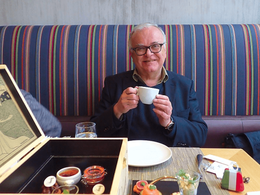 Image-of-Michael-Taylor-at-afternoon-tea-in-Hong-Kong-#ATWHK
