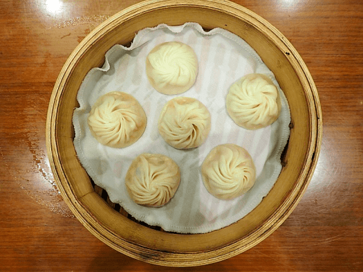 Image-of-xiao-long-bao-at-din-tai-fung-causeway-bay-hong-kong-credit-atwhk
