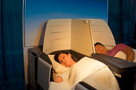 Aviation-hawaiian-airlines-Couple_sleeping