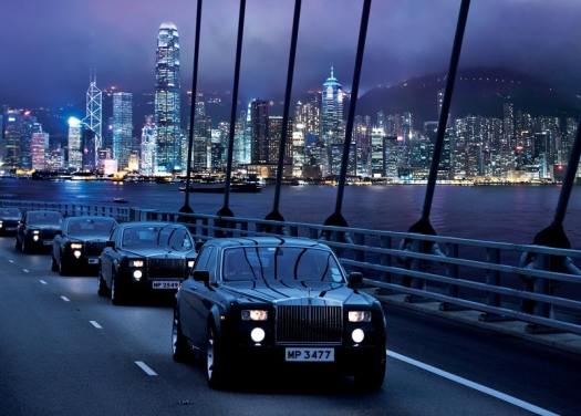 Hong-Kong-Rolls-Royce-Fleet-on-Tsing-Ma_Bridge_credit-peninsula-hotels