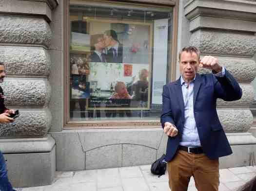 Sweden-stockholm-rainbow-flag-tour (90)