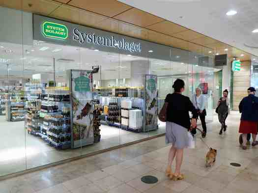 Sweden-stockholm-wine-shop-exterior (1)