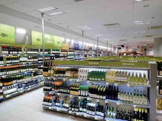 Sweden-stockholm-wine-shop-interior (1)
