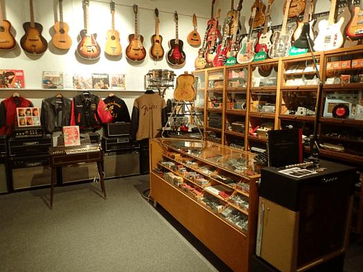 Sweden-#visitumea-guitar-museum (29)