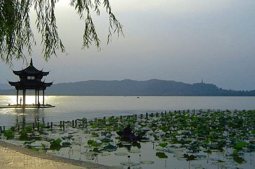 China_West_Lake_Hangzhou_Credit_Wikimedia_Commons