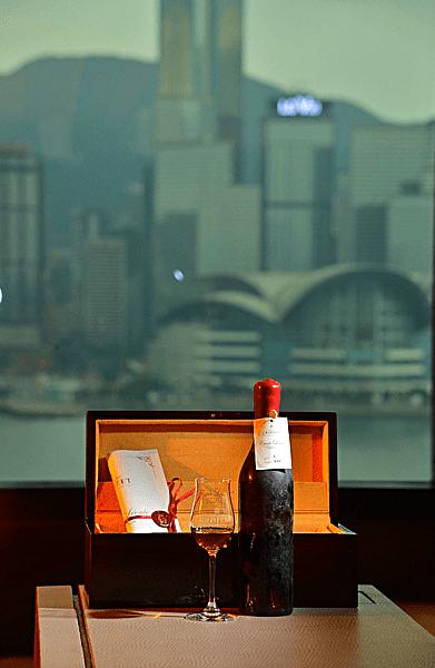 Hong-kong-hotel-ihc-most-expensive-cognac-2