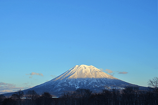 image-of--mount-yotei-in-Hokkaido-Japan-credit-ytl-hotels