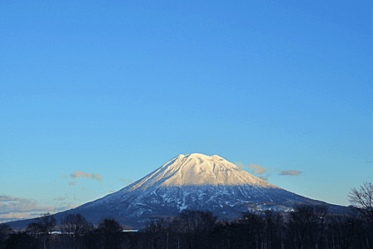 image-of--mount-yotei-in-Hokkaido-Japan-credit-ytl-hotels