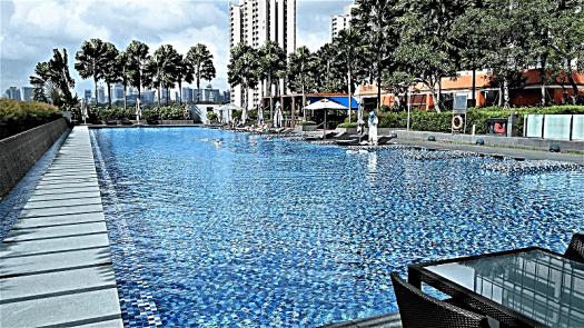 singapore-hotel-swimming-poolby-www.accidentaltravelwriter.net