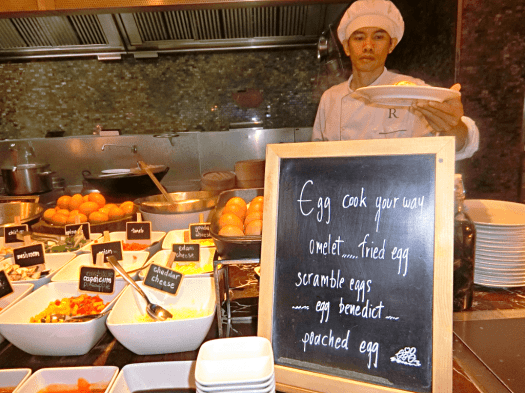 flavors-breakfast-buffet-at-Renaissance-Bangkok-Ratchaprasong-hotel-credit-www.accidentaltravelwriter.net