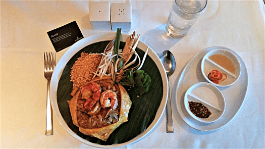 phad-thai-at-Renaissance-Bangkok-Ratchaprasong-hotel-credit-www.accidentaltravelwriter.net