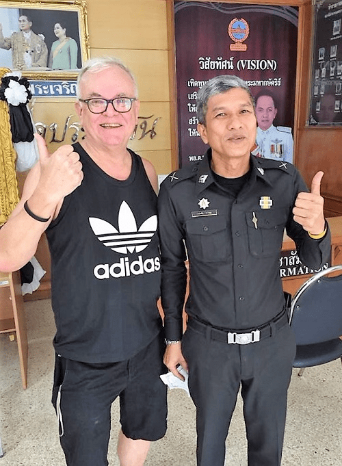 michael-taylor-with-policeman-in-bangkok-thailand