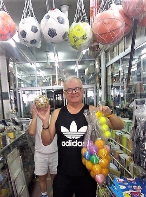 michael-taylor-in-bangkok-thailand-stationery-shop