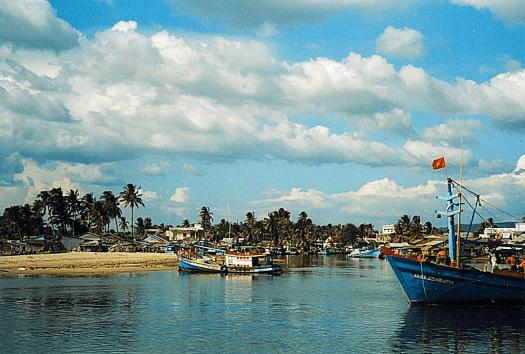 Vietnam--hu-quoc-Duong-Dong-Harbour-credit-Doron