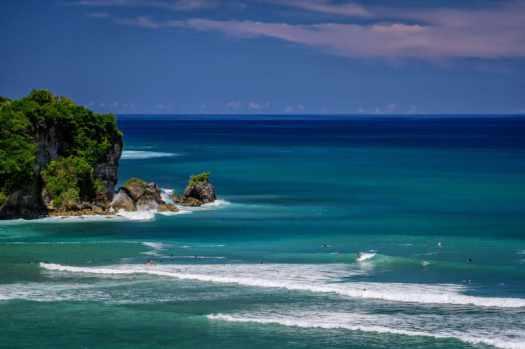 Bali--uluwatu-hotel-anantara-surfing