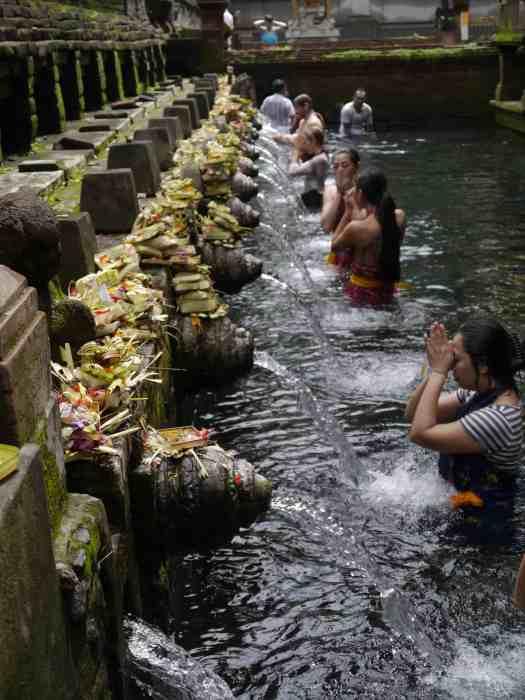 Bali-;hotel-anantara-uluwatu-resort-Holy-Spring-Cleansing