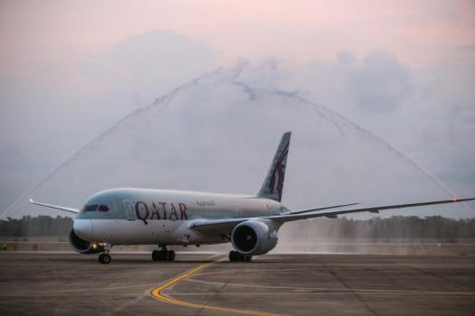 image-of-aviation-qatar-airways-inaugural-fligh-u-tapao-airport-_๑๘๐๑๒๙-3