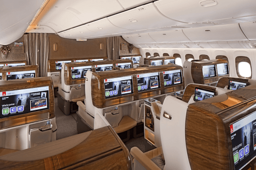 Aviation-emirates-airline-Business-Class-Cabin-on-Boeing-777---300ER-_2_