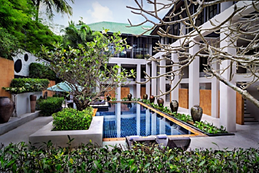 Thailand-hotel-Manathai-phuket-surin-beach-swimming-pool