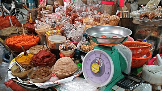 bang-rak-market-hawker-stalls