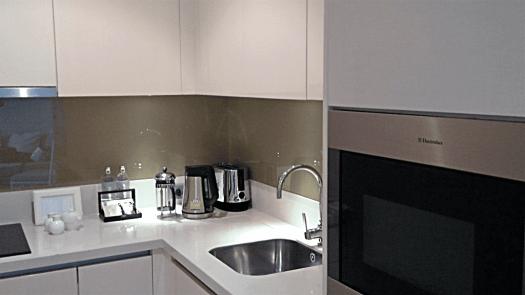 oriental-residences-bangkok-grand-deluxe-room-kitchenette