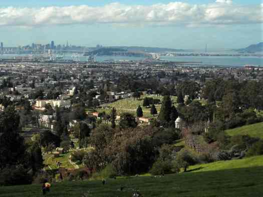 Usa-oakland-mountain-view-cemetary-view-of-bay-credit-daniel-ramirez