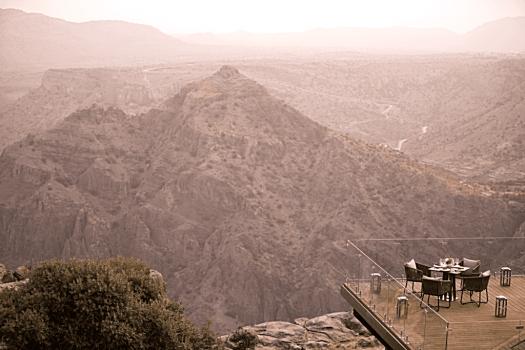 Oman-hotel-ananttara-al-jabal-al-akhdar-resort-Dining-by-Design-2