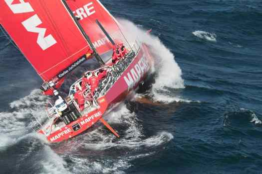 image-mapfre-sailing-boat-leaving-cape-town-south-africa-en-route-to-melbourne-australia