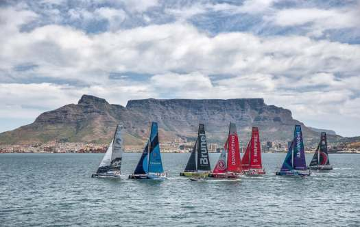 image-sailboats-sailing-in-cape-town-south-africa