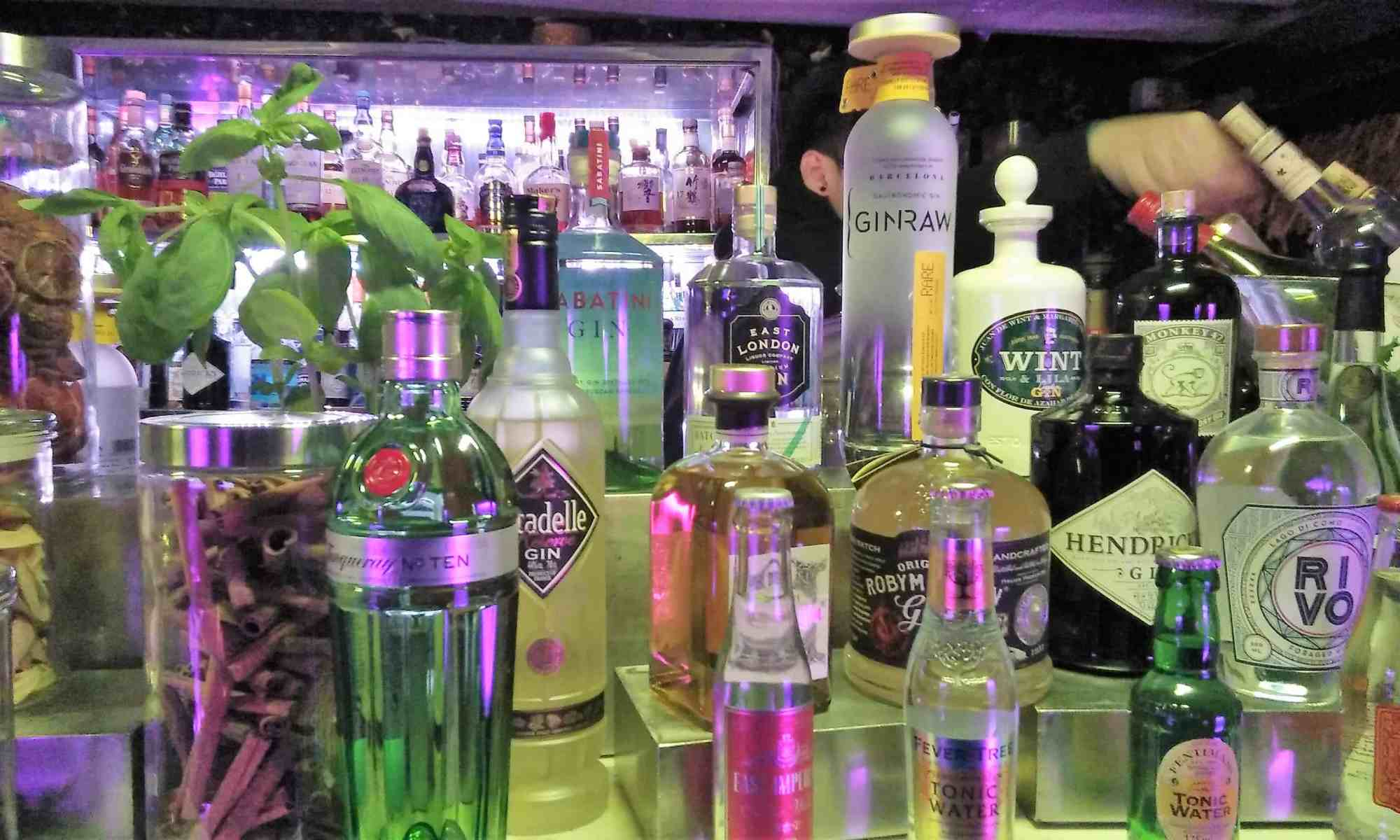 image-of-craft-gins-at-hong-kong-cocktail-lounge