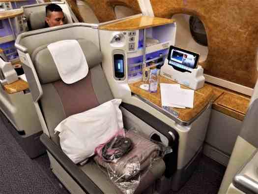 aviation-emirates-hkg-bkk-aboard (35).jpg