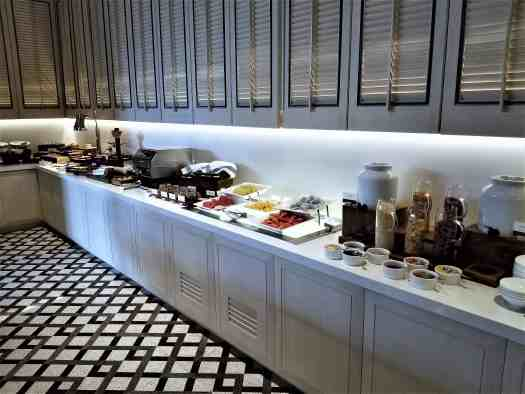 image-of-siam-brasserie-bangkok-thai-restaurant-breakfast-buffet-fruitss-and-cereals
