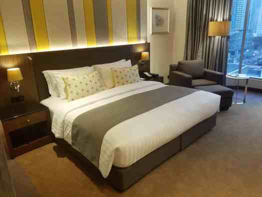 image-of-lancaster-bangkok-hotel-king-size-bed