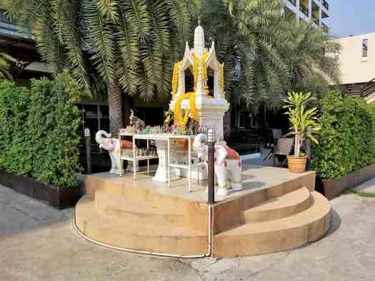 thailand-pattaya-hotel-golden-sea-shrine