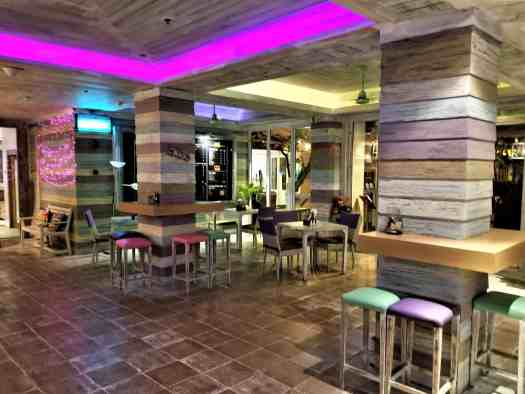 image-of-mercure-hotel-pattaya-aqua-pool-bar-and-club-interior