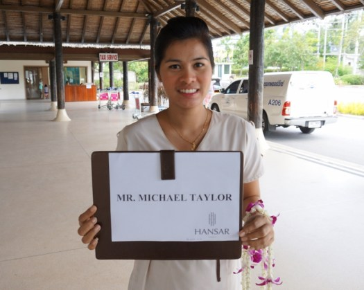 image-of-hansar-samui-resort-hotel-airport-greeter