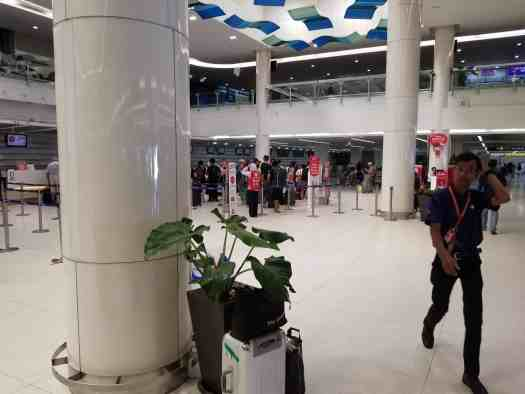 image-of-phuket-international-airport-check-in-counters