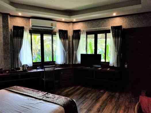 th-phuket-hotel-naiyang-room-37 (1)