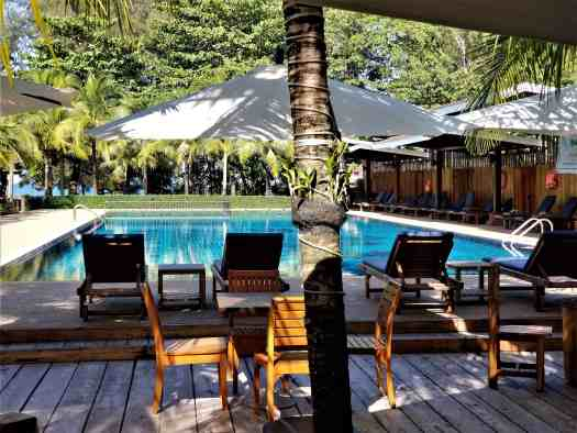 th-phuket-hotel-naiyang-swimming-pool