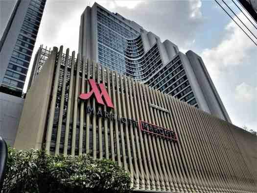 image-of-bangkok-marriott-marquis-queens-park-hotel-entrance