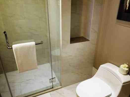 image-of-bangkok-marriott-marquis-queens-park-deluxe-hotel-room-bathroom