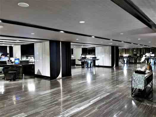 image-of-bangkok-marriott-marquis-queens-park-hotel-check-in-counters