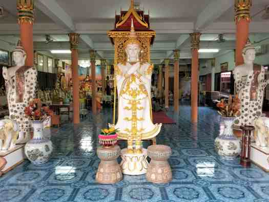 image-of-buddhist-stature-in-phuket-thailand